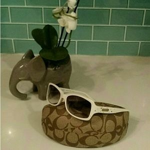 "☀ Coach ""Chelsea"" Sunglasses (5426)"